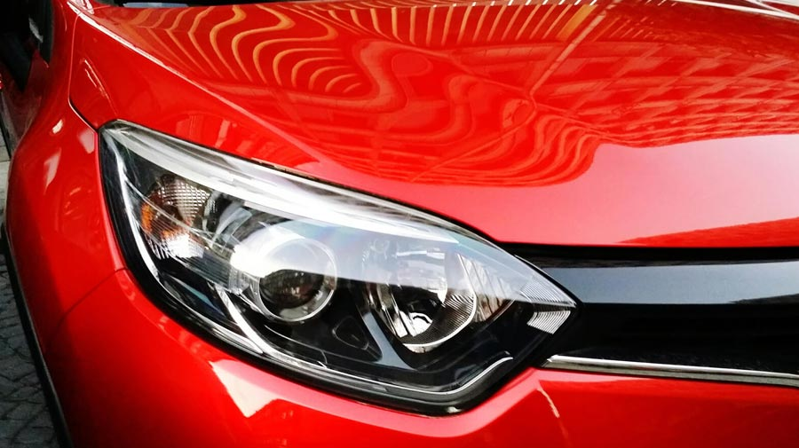 How to Clean Headlights: Easy Headlights Cleaning Hacks