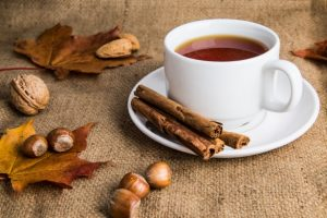 Cinnamon tea - home remedies for stomach pain