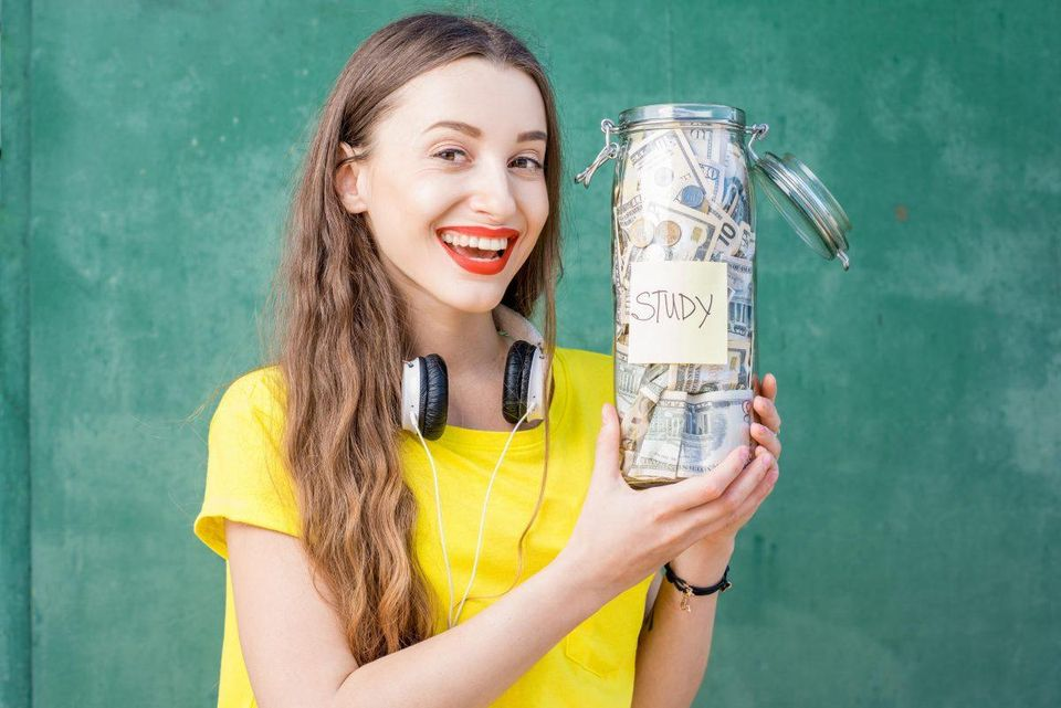 5 Ways Any Student Can Save Money on Food in College