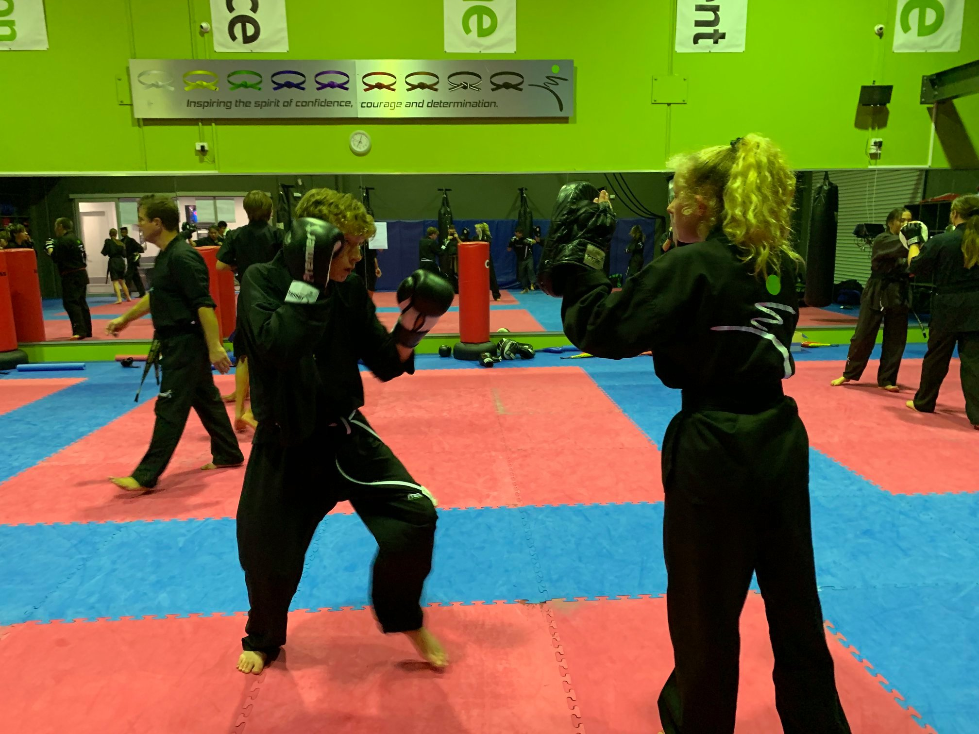 Top 10 Benefits of Kickboxing Classes