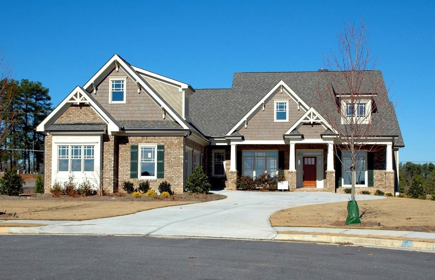 4 Steps to Help You Maintain Your Concrete Driveway This Spring