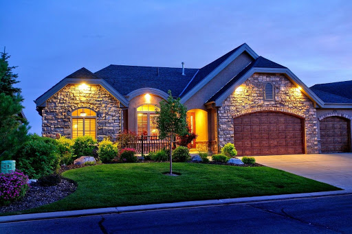 HOUSE HUNTING?CONSIDER THESE FEATURES BEFORE YOU BUY A HOME