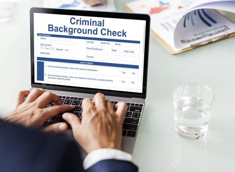Why You Should Run a Criminal Background Check on an Online Date