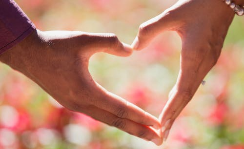6 Dating Tips to Help Find the Right Partner – Can a Psychic Reading Help?