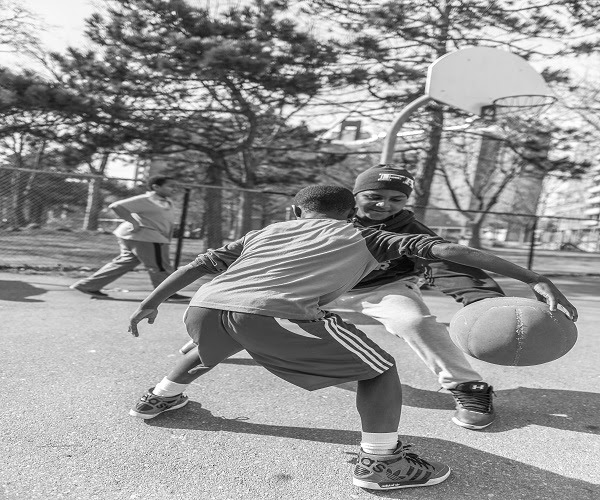 5 Benefits of Playing Basketball for Kids